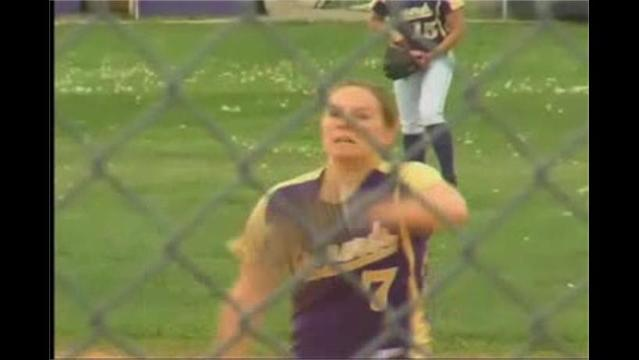 Smithsburg Softball Holds Off Middletown, 4-3 in Extras