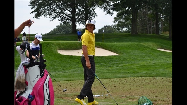 Rickie Fowler Attracts Attention in Practice Rounds