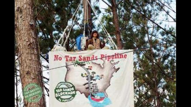 Tar Sands protesters hit corporate offices and financiers of Keystone XL pipeline